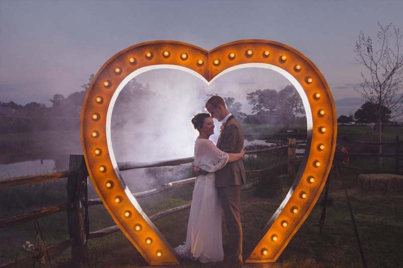 8ft very large light up heart with wedding couple